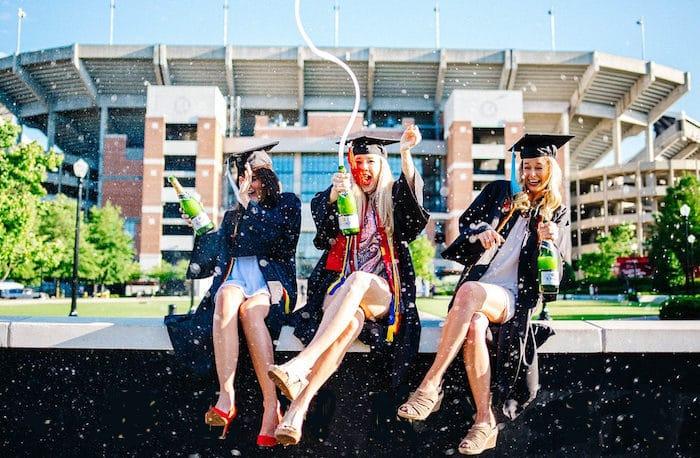 Giochi e scherzi di laurea: idee simpatiche e divertenti
