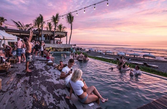 Idee per organizzare una festa in piscina