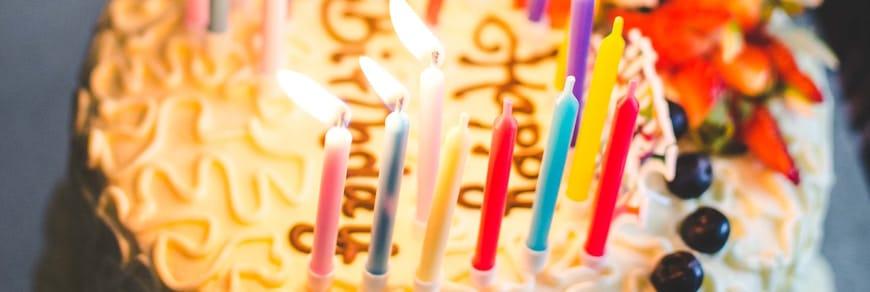 scherzo regalo 18 anni nella torta