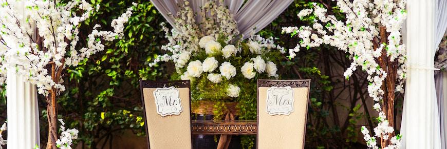 allestimento per un matrimonio all'aperto
