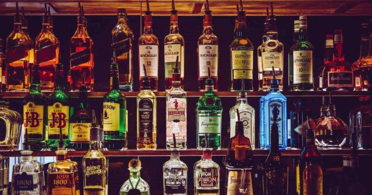 10 Cocktail da aperitivo per feste: alcolici e analcolici